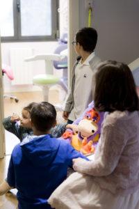 niños en CREA Odontologia